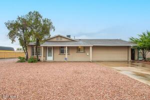 3250 W COUNTRY GABLES Drive, Phoenix, AZ 85053