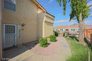 1333 E MORTEN Avenue, 131, Phoenix, AZ 85020