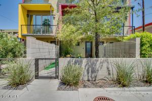 526 E LATHAM Street, Phoenix, AZ 85004