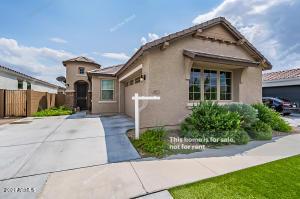 2915 E FRAKTUR Road, Phoenix, AZ 85040