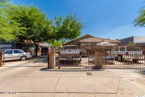 2625 E JONES Avenue, Phoenix, AZ 85040