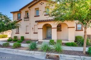 853 S SWALLOW Lane, Gilbert, AZ 85296