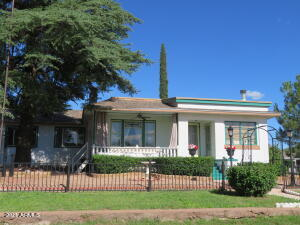 600 HOVLAND Street, Bisbee, AZ 85603