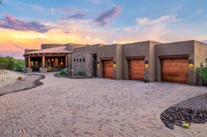 8105 E Echo Canyon Street, Mesa, AZ 85207