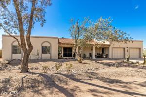 15705 W Hopi Drive, Casa Grande, AZ 85122