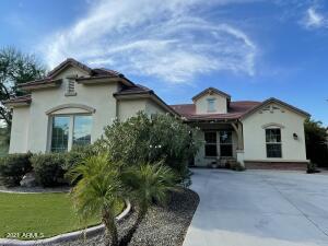 3912 E CANYON Place, Chandler, AZ 85249