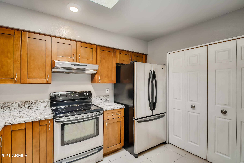 Photo #14: 13-845637189-15 Kitchen