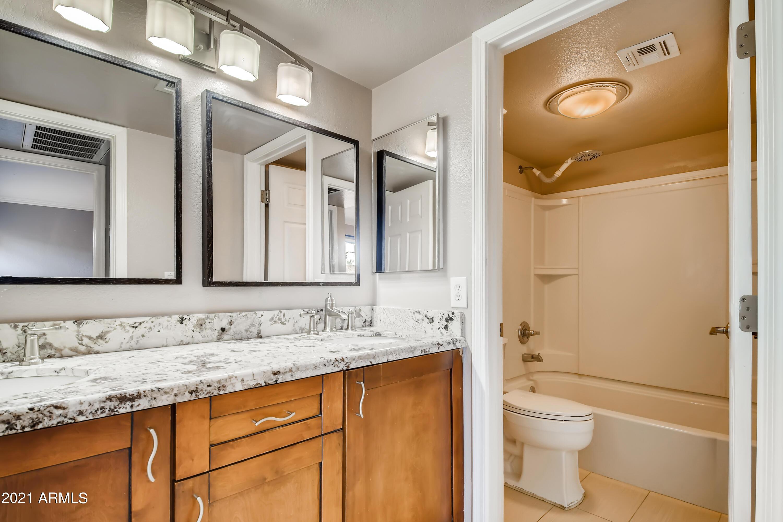 Photo #21: 20-044277859-22 Primary Bathroom