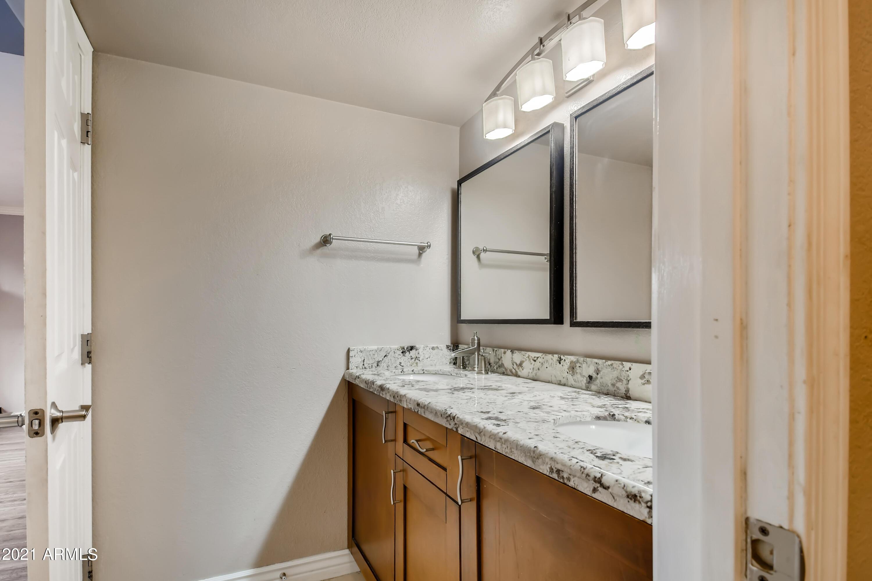 Photo #22: 21-538480309-23 Primary Bathroom