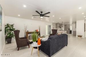 8534 E CAMBRIDGE Avenue, Scottsdale, AZ 85257
