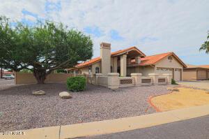 10441 E CHESTNUT Drive, Sun Lakes, AZ 85248