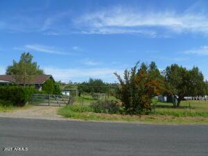 9230 E Smoki Trail, Dewey, AZ 86327