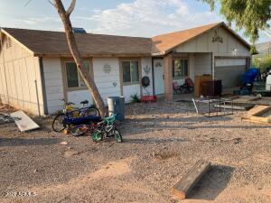 45206 N 10TH Street, New River, AZ 85087
