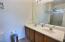 Dual Sinks in Owner's Suite!
