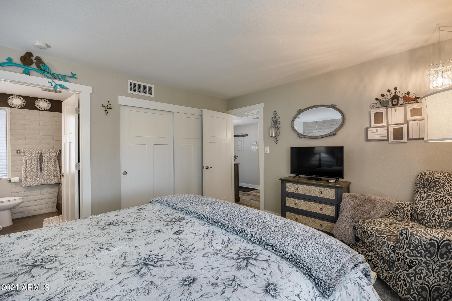 Photo #18: Primary Bedroom