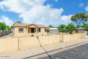 120 N MATLOCK Street, Mesa, AZ 85203
