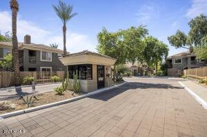 4848 N 36TH Street, 212, Phoenix, AZ 85018