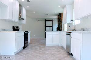 10850 N 42ND Avenue, Phoenix, AZ 85029