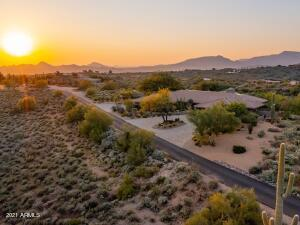 Elevated Sweeping Views in Carefree AZ