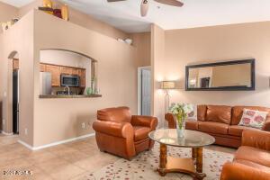 2950 W LOUISE Drive, 209, Phoenix, AZ 85027
