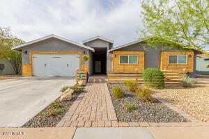 8338 E CLARENDON Avenue, Scottsdale, AZ 85251