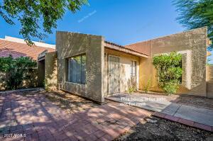 4751 W NEW WORLD Drive, Glendale, AZ 85302