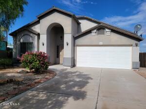 682 S LAWSON Drive, Apache Junction, AZ 85120