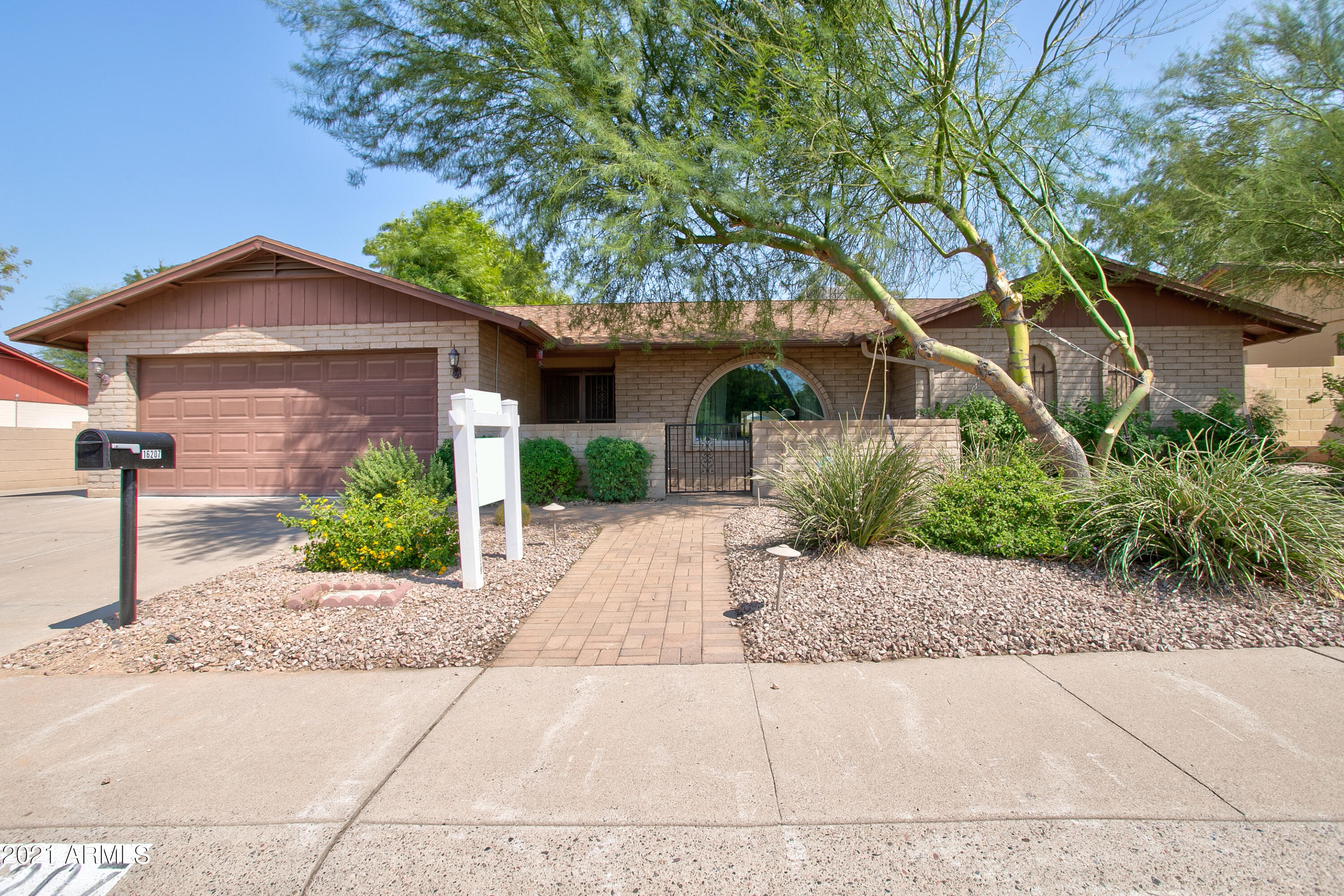 16207 11TH Place, Phoenix, Arizona 85022, 4 Bedrooms Bedrooms, ,2 BathroomsBathrooms,Residential,For Sale,11TH,6293937