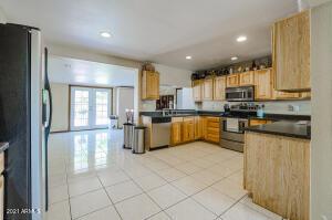 1514 W Campo Bello Drive, Phoenix, AZ 85023