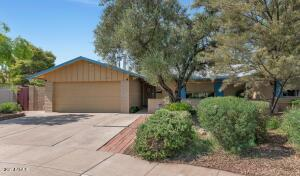 Quiet cul-de-sac location just minutes from recreational, shopping, and other popular spots in Scottsdale.
