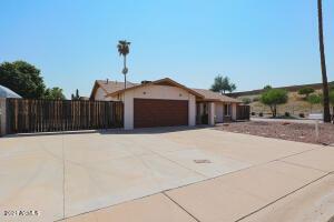 3401 E DAHLIA Drive, Phoenix, AZ 85032