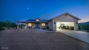 411 E VENADO Drive, New River, AZ 85087