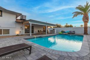 8602 E MITCHELL Drive, Scottsdale, AZ 85251