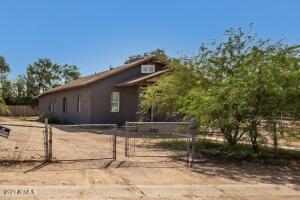 503 N 32ND Place, Phoenix, AZ 85008