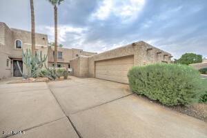 4019 E CHARTER OAK Road, Phoenix, AZ 85032
