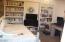3rd bedroom, built-in shelves