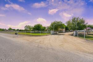 2745 E SOUTHWOOD Road, San Tan Valley, AZ 85140