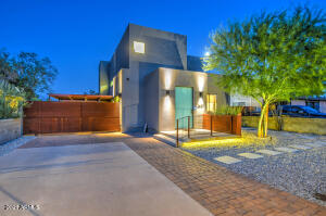 2637 N 29TH Street, Phoenix, AZ 85008