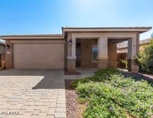625 W MANGROVE Road, San Tan Valley, AZ 85140