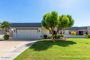 10129 W HUTTON Drive, Sun City, AZ 85351