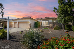 Four bedroom, 3 bath single story Seville home with a private POOL!