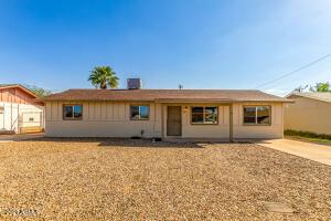 907 W 3RD Avenue, Apache Junction, AZ 85120