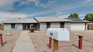 926 E MESQUITE Avenue, Apache Junction, AZ 85119
