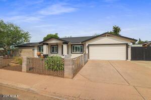 2810 E CORALBELL Avenue, Mesa, AZ 85204