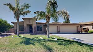602 N ROANOKE Circle, Mesa, AZ 85205