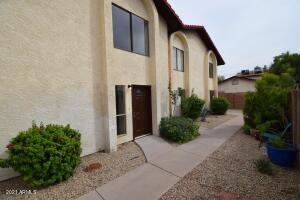 2423 E TRACY Lane, 2, Phoenix, AZ 85032