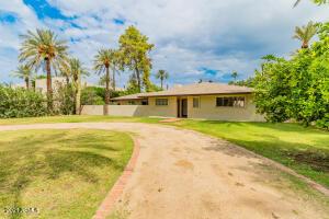 4702 E CALLE TUBERIA Drive, Phoenix, AZ 85018