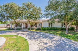 24745 S LINDSAY Road, Chandler, AZ 85249