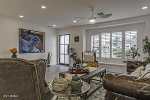 8516 E VERNON Avenue, Scottsdale, AZ 85257