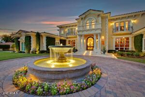28 BILTMORE Estate, Phoenix, AZ 85016